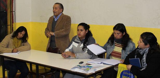 VECINOS DE SANTA ELENA EN REUNION CON ALCALDE JOSE PINTO POR NUEVAS VIVIENDAS EN EL SECTOR