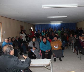 ALCALDE JOSE PINTO EN REUNION CON VECINOS DE QUILLAYAL  POR ESTUDIO SONDAJE AGUA POTABLE RURAL