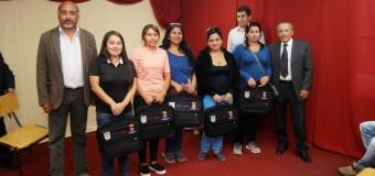 Alcalde Pinto se reúne con participantes de cursos Más Capaz