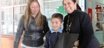 Senadis entregó computador a estudiante de Escuela José A. Núñez