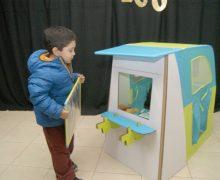 Escolares de Pre kínder de Nivequetén, reciben un Rincón de Juegos
