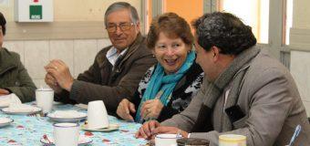 Agrupación Adultos Mayor Renacer de las Playas se reúnen con Alcalde de Laja
