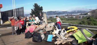 Vecinos de Altos del Laja, realizan operativo de limpieza en su sector