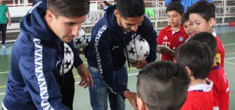 "Escolares de la comuna participaron de entretenida clínica de fútbol con ""cracks"" de Huachipato"