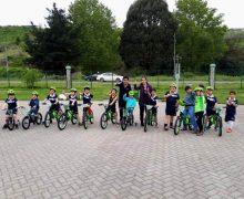 Polideportivo cuenta con nuevas bicicletas para los más pequeños de la casa