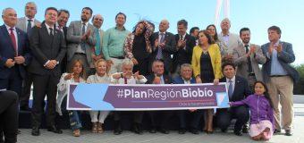 Presidente Piñera presenta Plan Biobío ante autoridades regionales