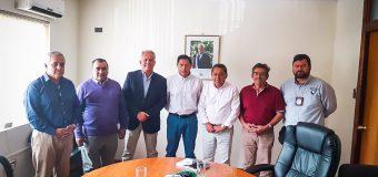 Autoridades se reúnen con colectiveros para mejorar conectividad en la comuna