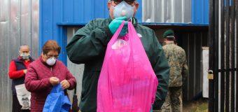 En Laja se entregó kits de higiene para vecinos de Carrera y Chacabuco