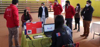 Estudiantes de séptimo básico recibieron computadores del Ministerio de Educación