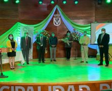 Comité de Bienestar de la Municipalidad de Laja reconoció a funcionarios públicos por años de servicio